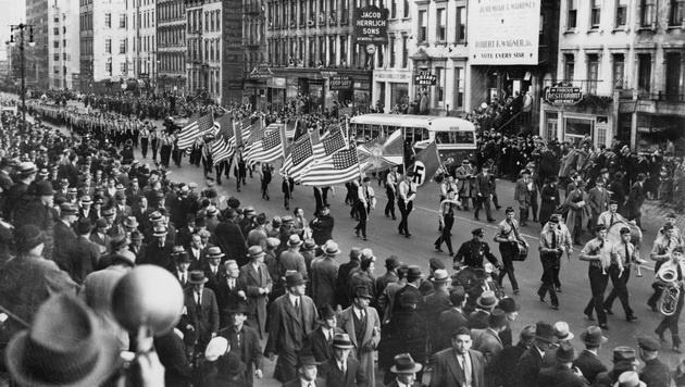 """1939 marschierte in New York der """"German American Bund"""" auf. (Bild: Wikipedia)"""