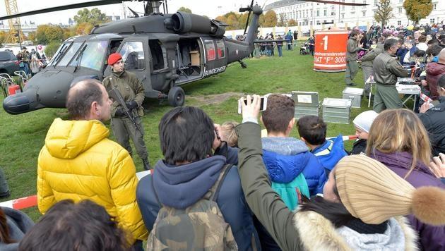 Über eine Million bei Leistungsschau des Heeres (Bild: APA/HANS PUNZ)