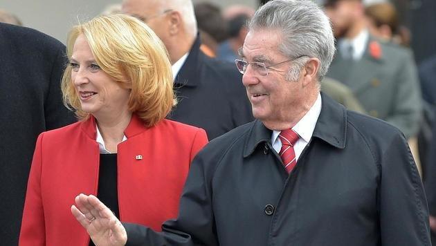 Auch Altbundespräsident Heinz Fischer wohnte der Angelobung bei. (Bild: APA/HANS PUNZ)