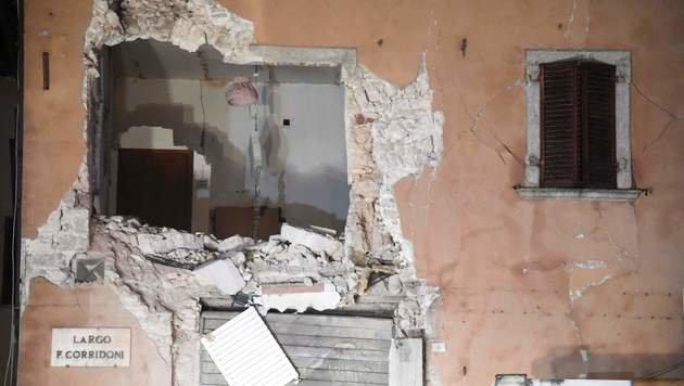 Schwere Schäden durch Erdbeben in Italien (Bild: APA/AFP/TIZIANA FABI)