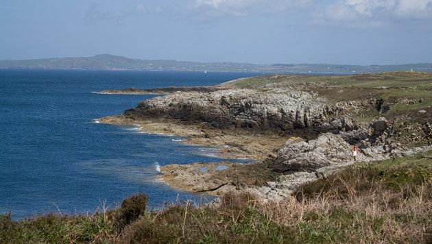 Zerklüftete Küsten, grüne Wiesen und karge Canyons: Im Norden von Wales gibt es viele Landschaften. (Bild: flickr.com/Neil Cowburn)