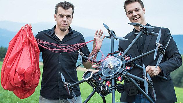 Grazer entwickeln Rettungsschirm für Drohnen (Bild: APA/dronerescue.at)