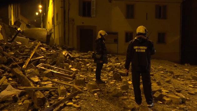 Italien: Massenflucht, Tausende in Notquartieren (Bild: Ruptly.TV)