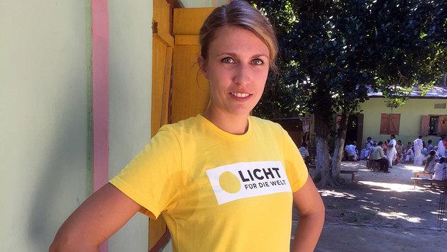 Helferin Stefanie Schwarzecker in Indien (Bild: Gregor Brandl)