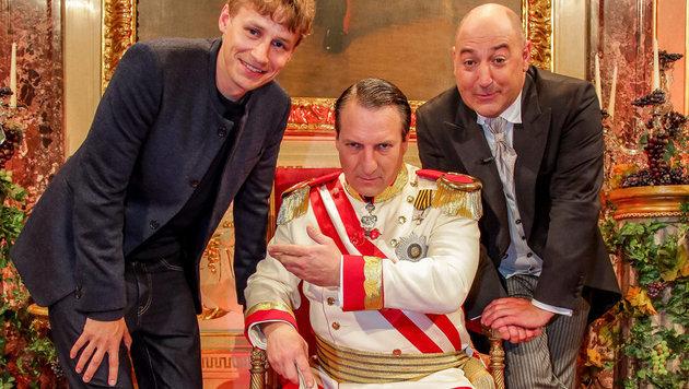 Tim Bendzko schafft es zum Kaiser und Oberhofmeister. (Bild: ORF)