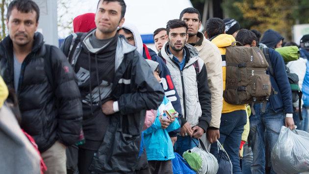 """""""Deutsche Grenzen für Flüchtlinge dicht machen"""" (Bild: APA/Sebastian Kahnert)"""