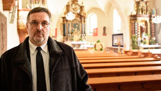 Schulwart Franz Groiß wurde in der Kirche von Ottenschlag zum Helden. (Bild: Imre Antal)