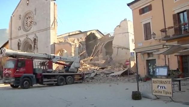 Die eingestürzte Basilika des Heiligen Benedikt in Norcia (Bild: Associated Press)