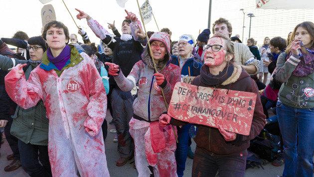 Handelspakt CETA von EU und Kanada unterzeichnet (Bild: Associated Press)