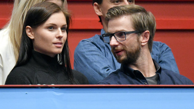 Anna mit Ehemann Manuel bei den Erste Bank Open in der Wiener Stadthalle (Bild: APA/HERBERT NEUBAUER)
