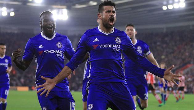 Chelsea nach 2:0 bei Southampton weiter vorne dran (Bild: AP)