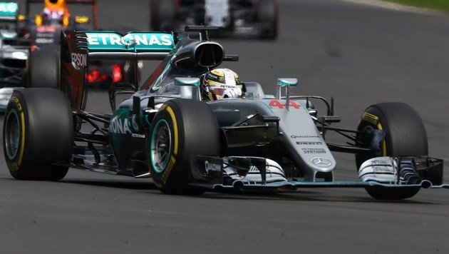 Hamilton siegt wieder! Vettel verliert Platz drei (Bild: APA/AFP/GETTY IMAGES/CLIVE MASON)