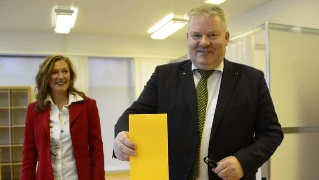 Islands Regierungschef Johannsson tritt zurück (Bild: APA/AFP/HALLDOR KOLBEINS)
