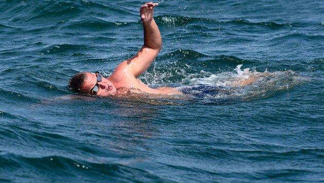 Brite will 3000 km durch den Atlantik schwimmen (Bild: APA/AFP/Seyllou)