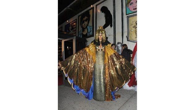 Als Kleopatra mit reichlich Glitzer im Gesicht feierte Heidi 2012 mit Verspätung ihre Kostümparty. (Bild: Viennareport)