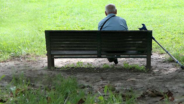 Nach Tod seiner Frau geht Pensionist (74) leer aus (Bild: thinkstockphotos.de)