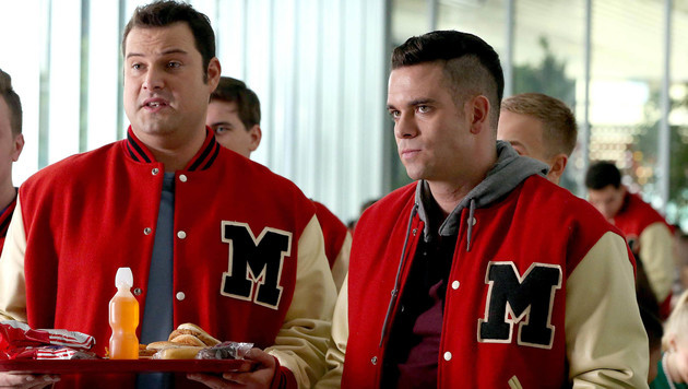 "Mark Salling (rechts) in ""Glee"" (Bild: Viennareport)"