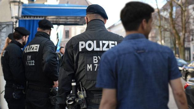 """OÖ-Polizeichef: """"Alle Auffälligen sind Muslime"""" (Bild: APA/Helmut Fohringer, dpa/Andreas Gebert)"""