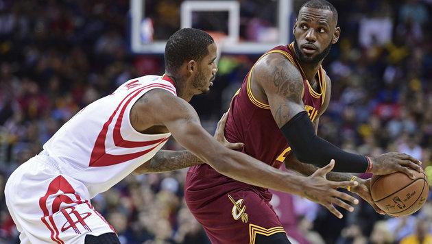 Titelverteidiger Cleveland weiter ungeschlagen (Bild: AP 2016)
