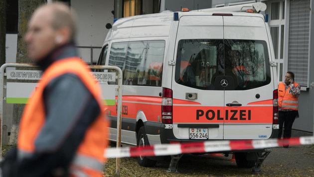 Imam rief zum Mord an Muslimen auf - verhaftet (Bild: APA/KEYSTONE/WALTER BIERI)