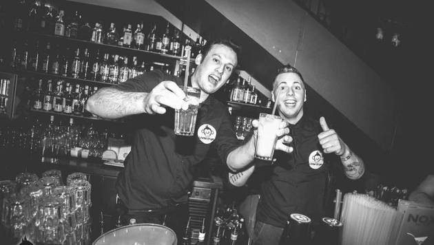 """""""Die schönsten Barkeeper der Wiener Clubs! (Bild: Nox Club)"""""""
