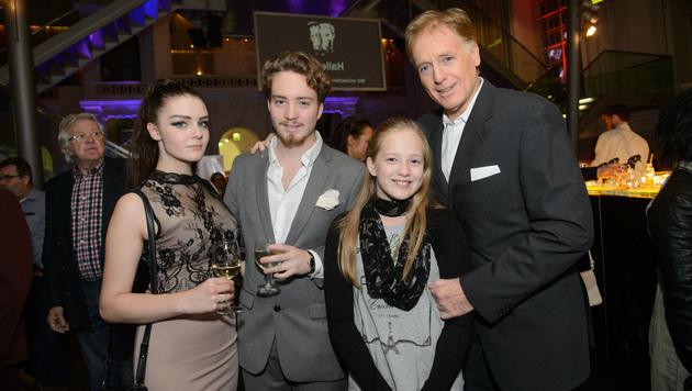Albert Fortell mit seinen Kindern (Bild: RGE-Press/Eckharter)
