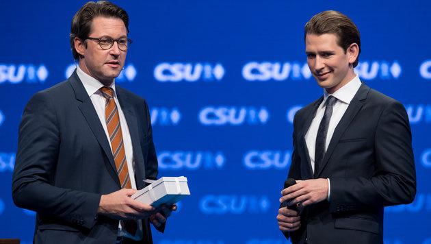CSU-Generalsekretär Scheuer (li.) und Kurz (Bild: APA/dpa/Sven Hoppe)