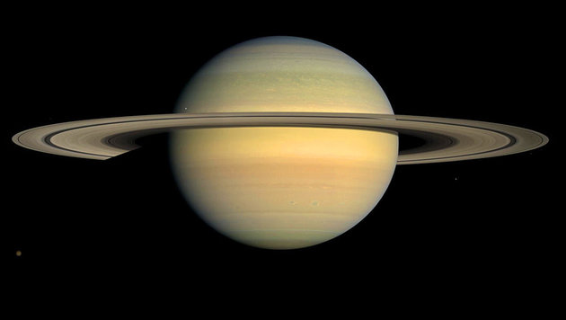 Sind Saturns Ringe zerbröselte Zwergplaneten? (Bild: NASA/JPL/Space Science Institute)
