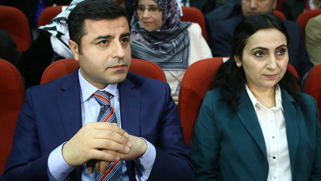 Selahattin Demirtas (li.) und Figen Yüksekdag (Bild: APA/AFP/ADEM ALTAN)