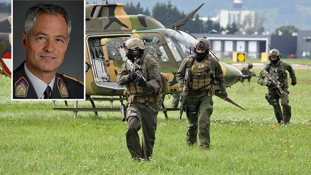 """Oberst Michael Bauer: """"Es werden ständig Überprüfungen durchgeführt."""" (Bild: Bundesheer, Christoph Matzl)"""