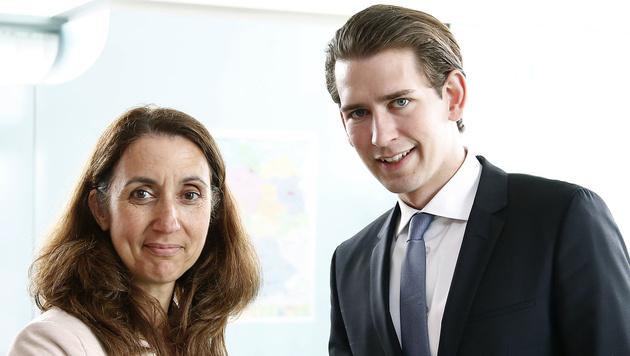 Die deutsche Integrationsbeauftragte Aydan Özoguz mit Sebastian Kurz (Bild: APA/AUSSENMINISTERIUM/DRAGAN TATIC)
