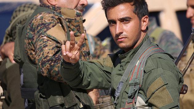 """Offensive auf IS-""""Hauptstadt"""" Rakka hat begonnen (Bild: APA/AFP/DELIL SOULEIMAN)"""