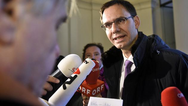 """Landeshauptmann Markus Wallner ist mit seinem """"Vorarlberger Modell"""" derzeit in aller Munde. (Bild: APA/HELMUT FOHRINGER)"""