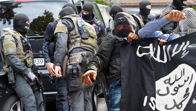Deutschland: Polizei fasst fünf IS-Terroristen (Bild: APA/dpa/Franziska Kraufmann, AFP)