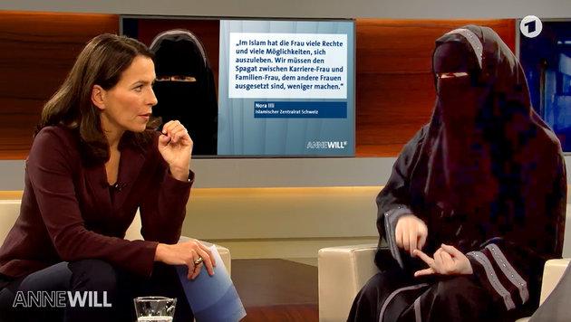"""""""Niqab-Nora"""": Justizwarnung und Gewaltpornos (Bild: ard)"""
