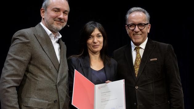 Kulturminister Thomas Drozda, Friederike Gösweiner und  AK-Präsident Rudi Kaske (v.l.n.r.) (Bild: APA/HERBERT PFARRHOFER)