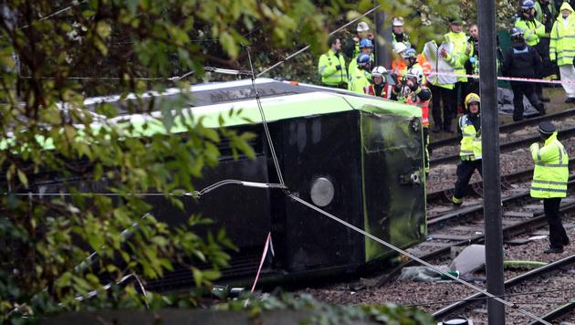 Tram in London entgleist - 7 Tote, 50 Verletzte (Bild: AP)