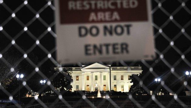 """""""Do not enter"""", heißt es vor dem Weißen Haus. Der neue Präsident ist davon ausgenommen. (Bild: AFP)"""