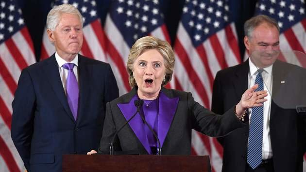 Hillary Clinton während ihrer ersten Rede nach der Niederlage bei der US-Wahl (Bild: APA/AFP/JEWEL SAMAD)
