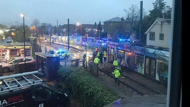 Tram in London entgleist - 7 Tote, 50 Verletzte (Bild: EPA)