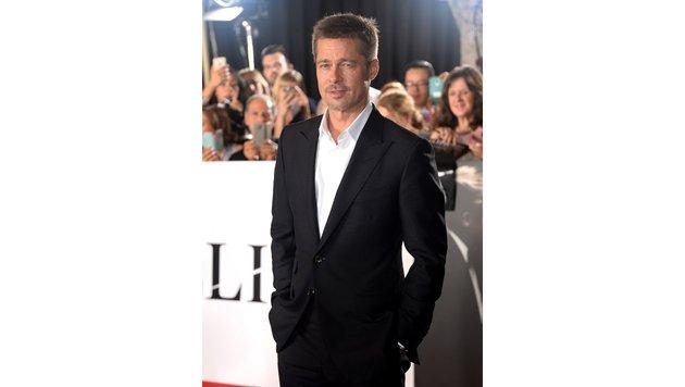 """Brad Pitt bei einem Fan-Event für seinen neuen Film """"Allied"""" (Bild: Viennareport)"""
