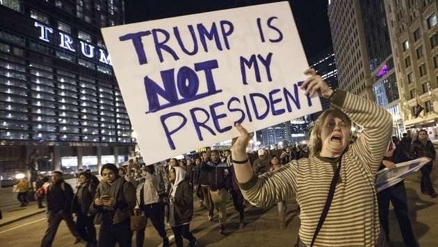 Nur ein Dollar: Trump verzichtet auf sein Gehalt (Bild: APA/AFP/GETTY IMAGES/JOHN GRESS)