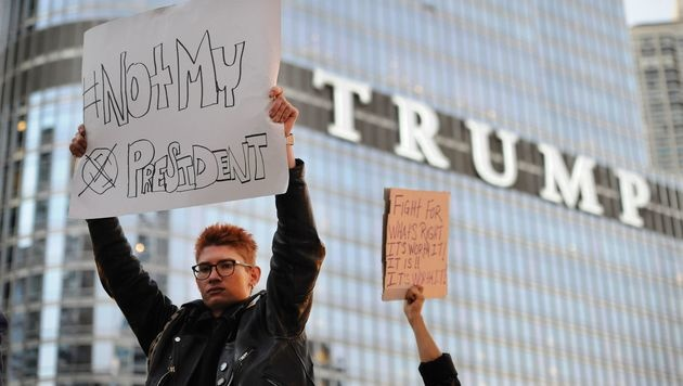 Proteste gegen Trump in New York (Bild: APA/AFP/PAUL BEATY)