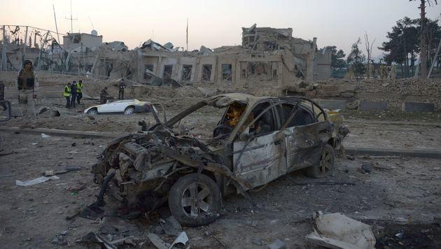 Afghanistan: Taliban griffen deutsches Konsulat an (Bild: APA/AFP/FARSHAD USYAN)