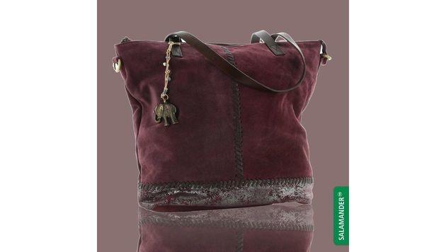Handtasche in einem trendigen Beerenton (Bild: Salamander)
