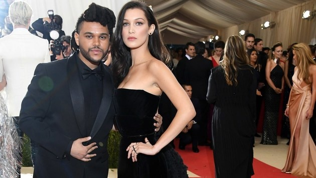 Bella Hadid und The Weeknd (Bild: APA/AFP/GETTY IMAGES/Larry Busacca)