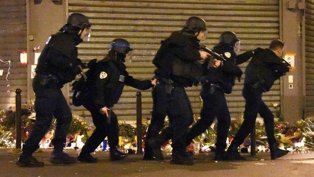 Eine Anti-Terror-Einheit der Polizei bei der Arbeit (Bild: AFP)