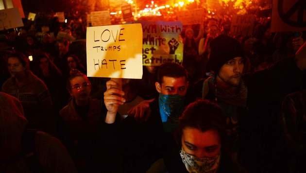 Portland: Schüsse bei Demo gegen Donald Trump (Bild: APA/AFP/ANKUR DHOLAKIA)