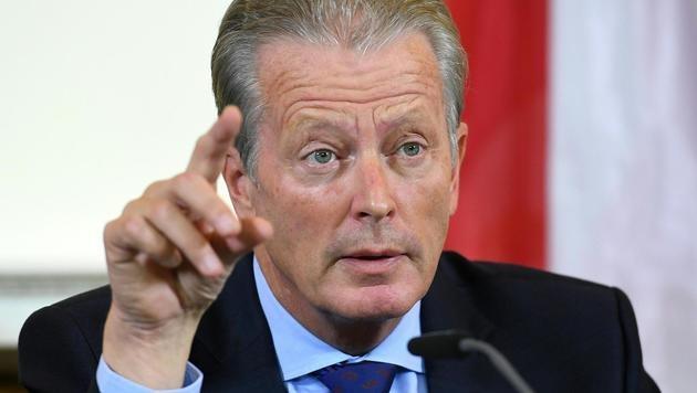 ÖVP-Chef und Vizekanzler Reinhold Mitterlehner (Bild: APA/HELMUT FOHRINGER)