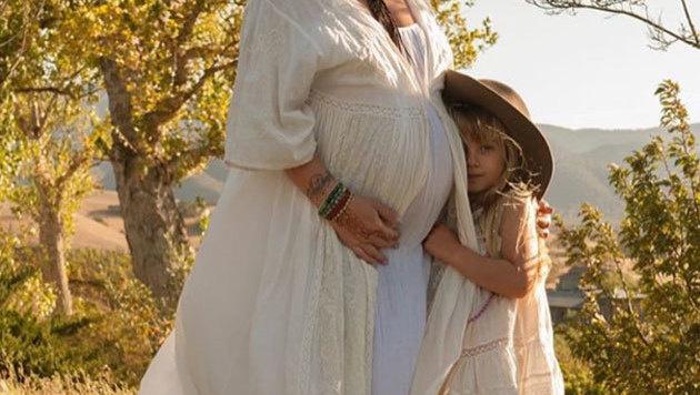 Wer kündigt hier so traumhaft das zweite Baby an? (Bild: instagram.com/pink)